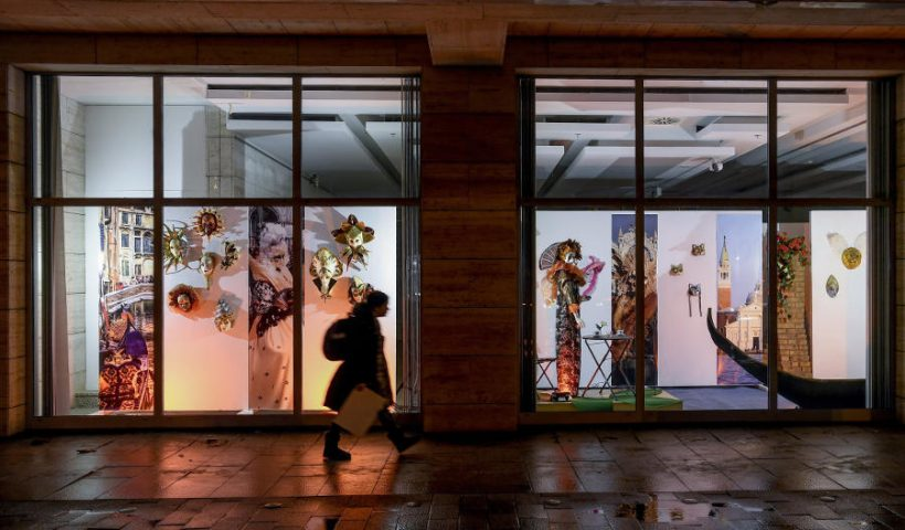 Maszkok ideje - velencei álom kiállítás, Debrecen